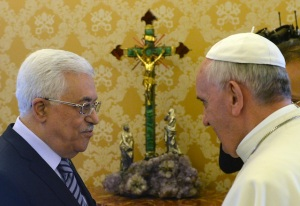 Palestinian president meets Pope Francis