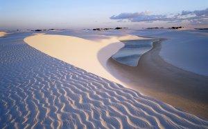 water_in_desert-wide