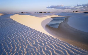 water_in_desert-wide