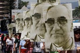 Pilgrims at Romero's beatification.