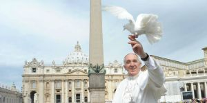 Pope-Francis-Facebook-Dove