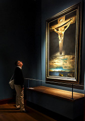 "Picture by Bill Ryder. Looking at Salvador Dali's ""Christ of St. John on the Cross,"" heckmarq.mu.edu/psp/sa9prod/EMPLOYEE/HRMS/c/SA_LEARNING_MANAGEMENT.SS_FACULTY."