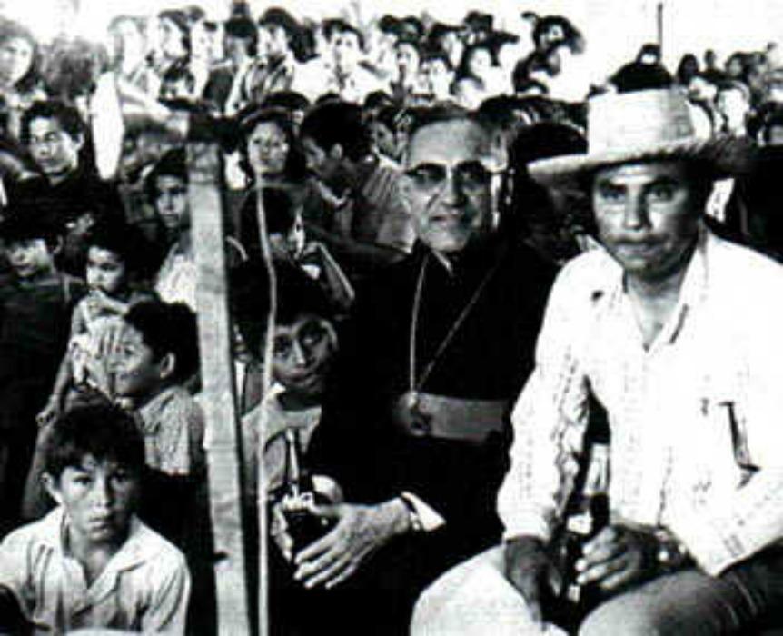 Romero y campesinos